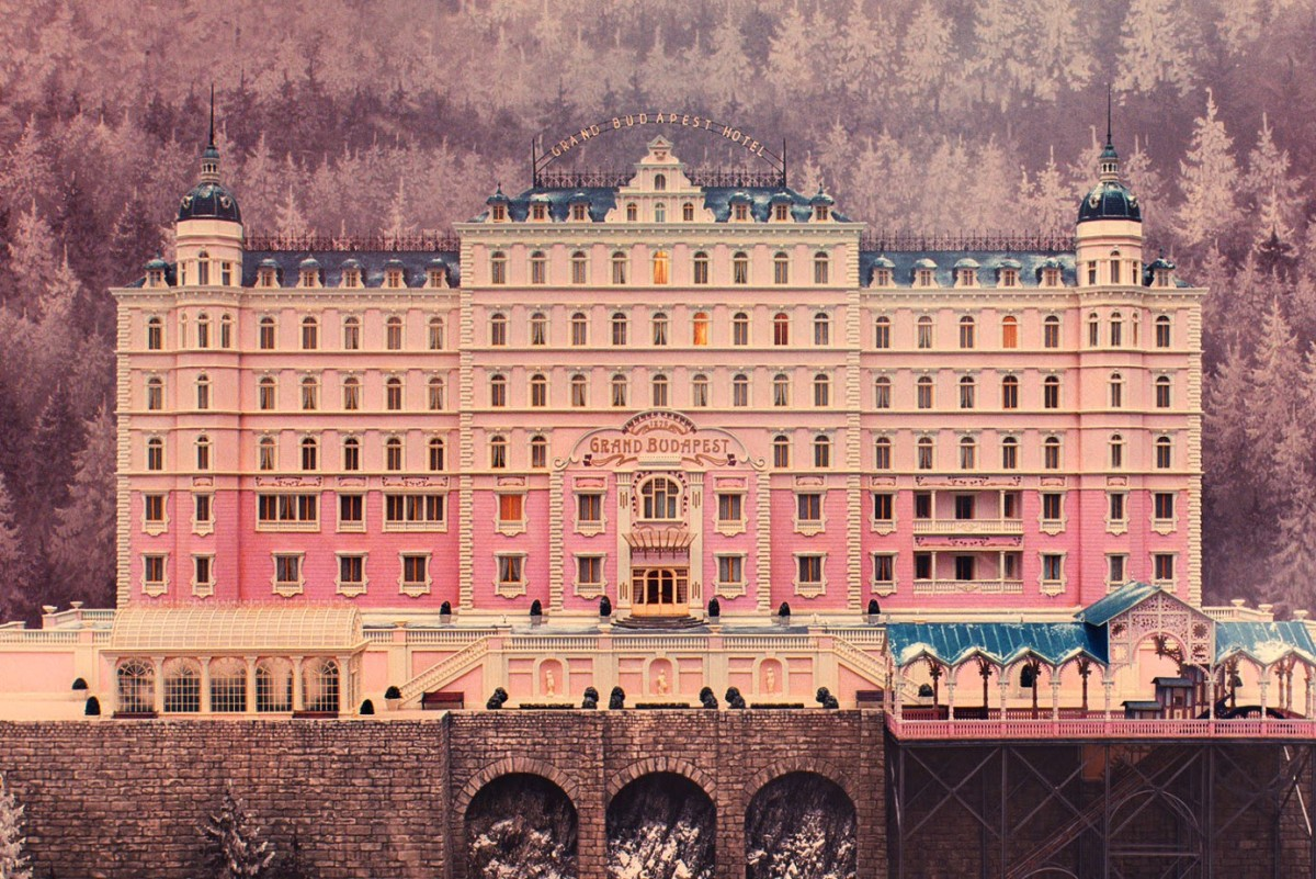 the-grand-budapest-hotel-exterior-1385x924